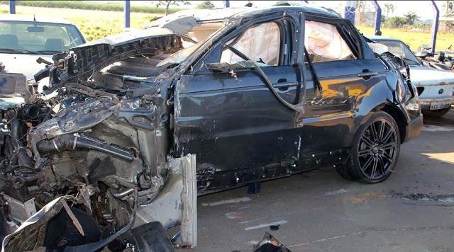 Range-Rover-carro-do-cantor-Cristiano-Araújo-após-acidente