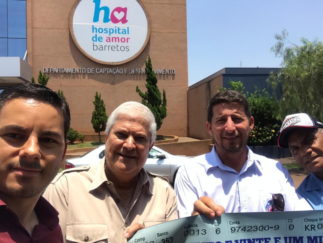 PREFEITO DE TRÊS RANCHOS ACOMPANHA ENTREGA DE DOAÇÃO PARA O HOSPITAL DE AMOR DE BARRETOS
