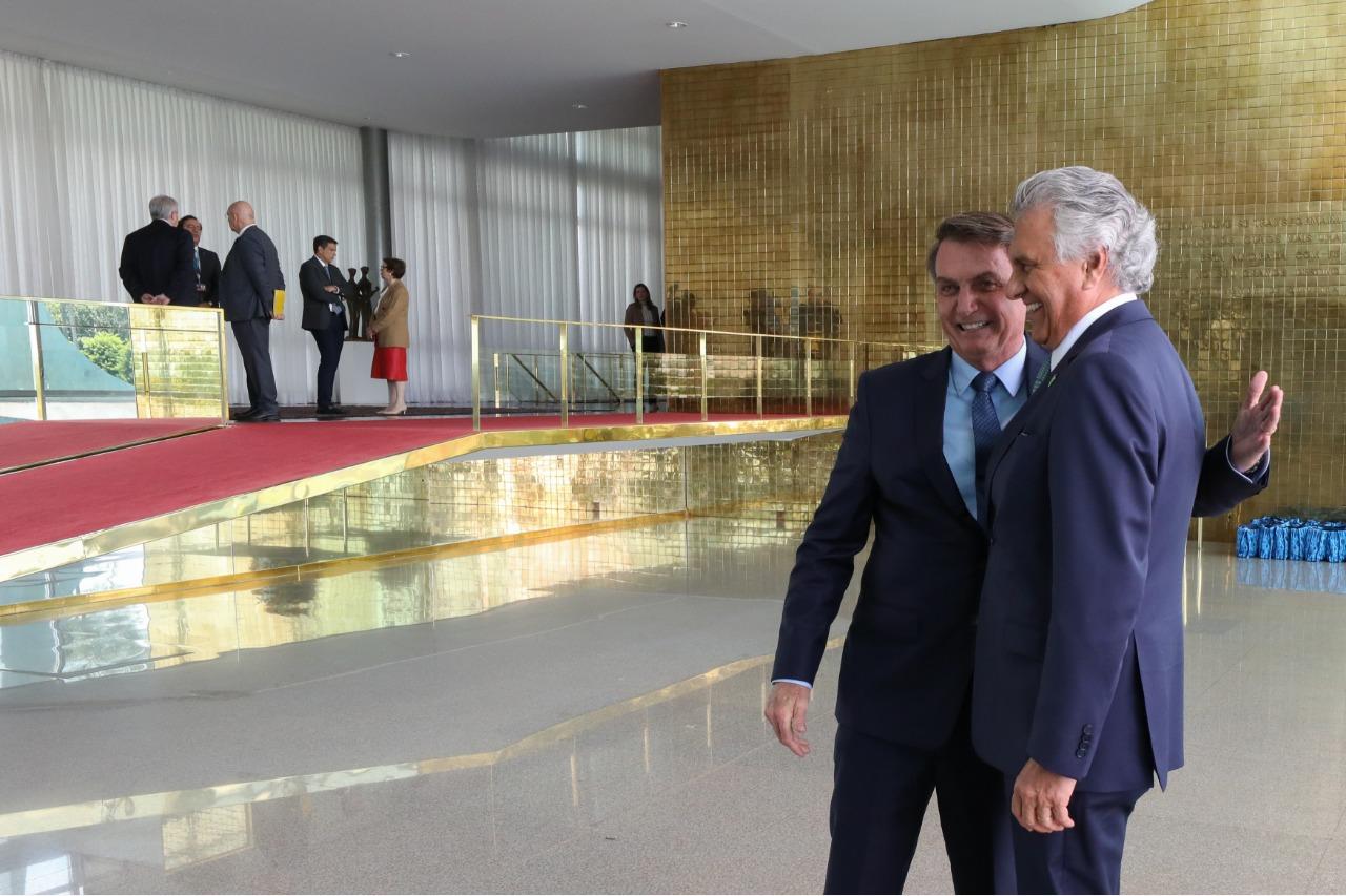 CAIADO É HOMENAGEADO EM CERIMÔNIA DE 400 DIAS DO GOVERNO BOLSONARO