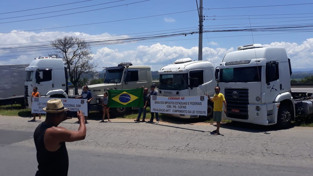 OS CAMINHONEIROS DO BRASIL, PARAM OU NÃO PARAM?