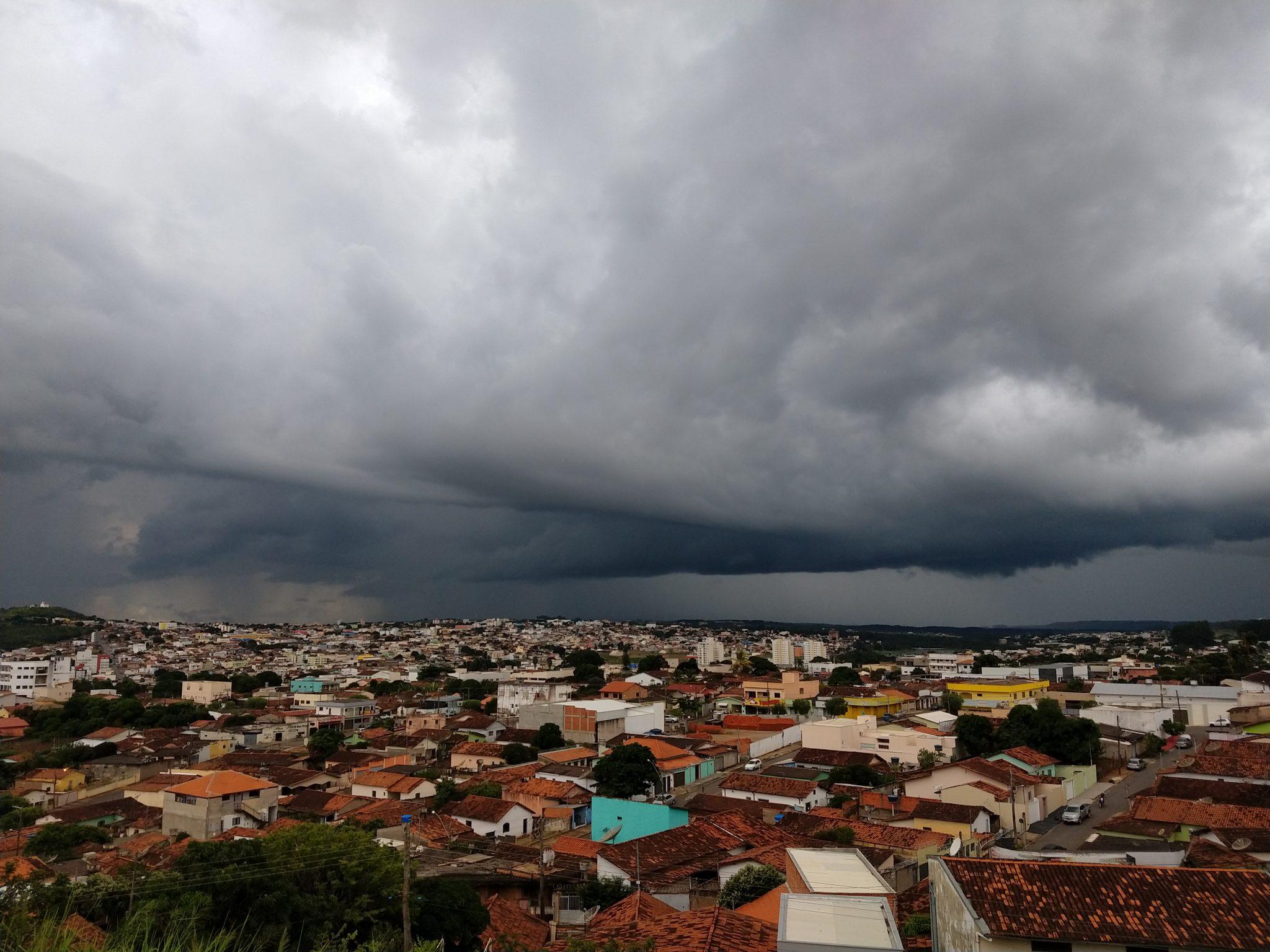PREVISÃO É DE CHUVA FORTE PARA CATALÃO E REGIÃO NESSE FINAL DE SEMANA; DADOS SÃO DO LABORATÓRIO DE CLIMATOLOGIA DA UFCAT