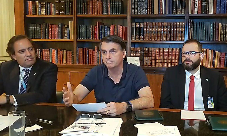 BOLSONARO DIZ QUE AUXÍLIO EMERGENCIAL DEVERÁ TER 4ª PARCELA