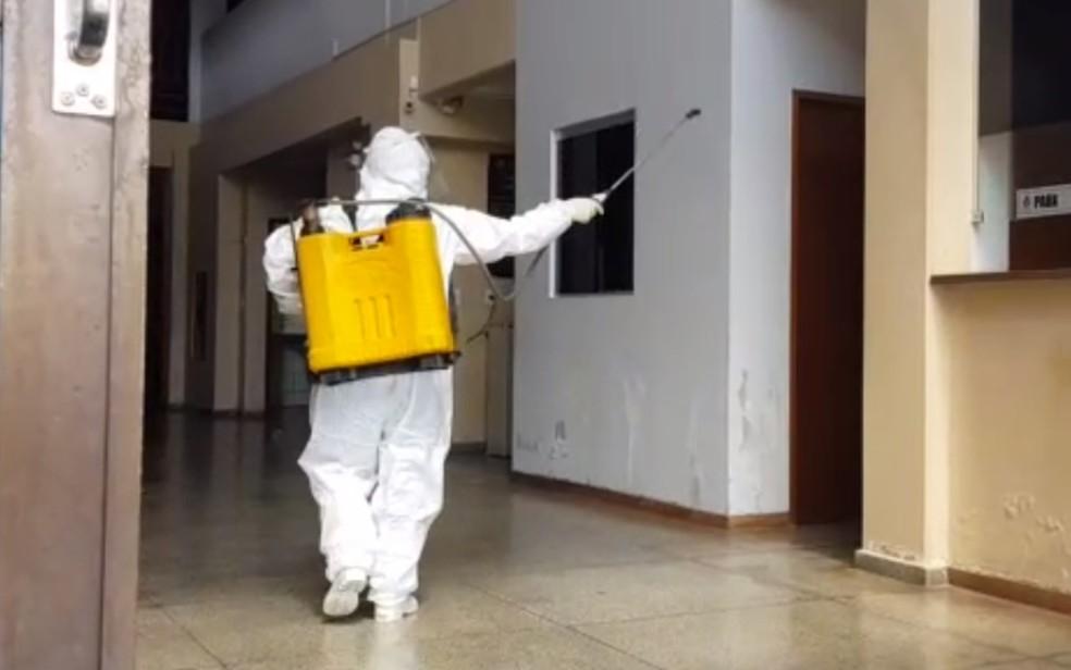 CÂMARA DE VEREADORES DE CATALÃO É FECHADA PARA DESINFECÇÃO APÓS ASSESSOR TER RESULTADO POSITIVO PARA COVID-19 EM TESTE RÁPIDO